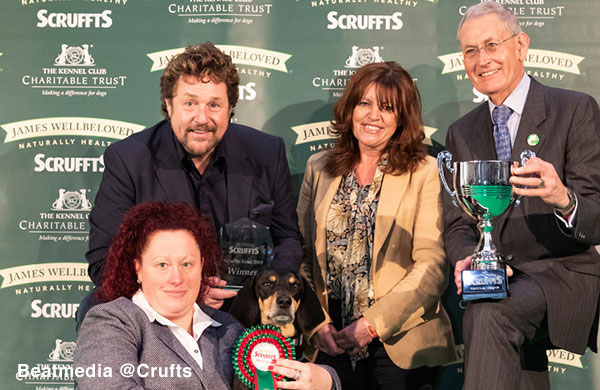The winner of Scruffts with James Wellbeloved sponsor and Gerald King